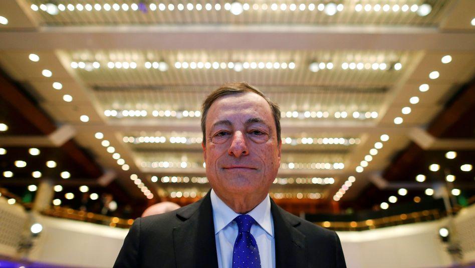 Länger, aber weniger: EZB-Chef Mario Draghi verlängert das Anleihe-Kaufprogramm bis Ende 2017
