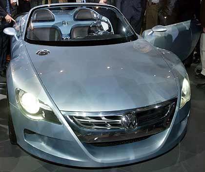 """Beispiel eines Modells, das viele gern hätten, ohne es sich leisten zu können: Prototyp des VW-Roadster """"Concept-R"""""""