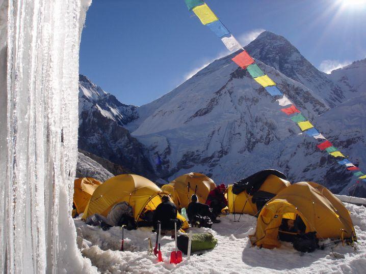 Lager am Mount Everest: Solche Reisen sind definitiv nichts für Anfänger