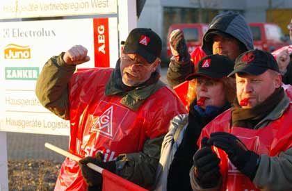 Solidaritätsdemonstration bei AEG in Nürnberg: 1,8 Monatsgehälter Abfindung pro Beschäftigungsjahr
