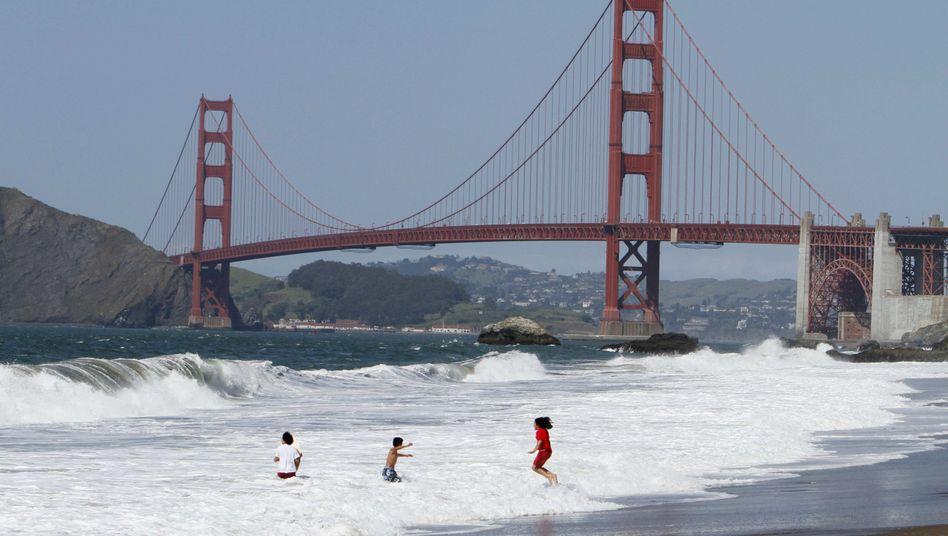 Kinder vor Golden Gate Bridge: Die neue vernetzte Generation will mehr als nur Geld verdienen