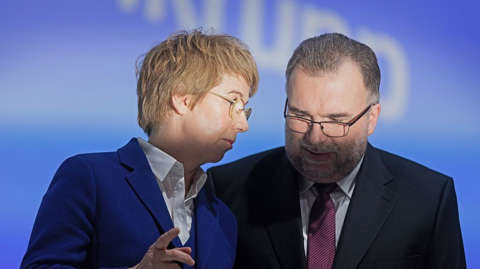 """""""Außergewöhnliches geleistet"""": Thyssenkrupp-Chefin Martina Merz und Chefaufseher Siegfried Russwurm"""