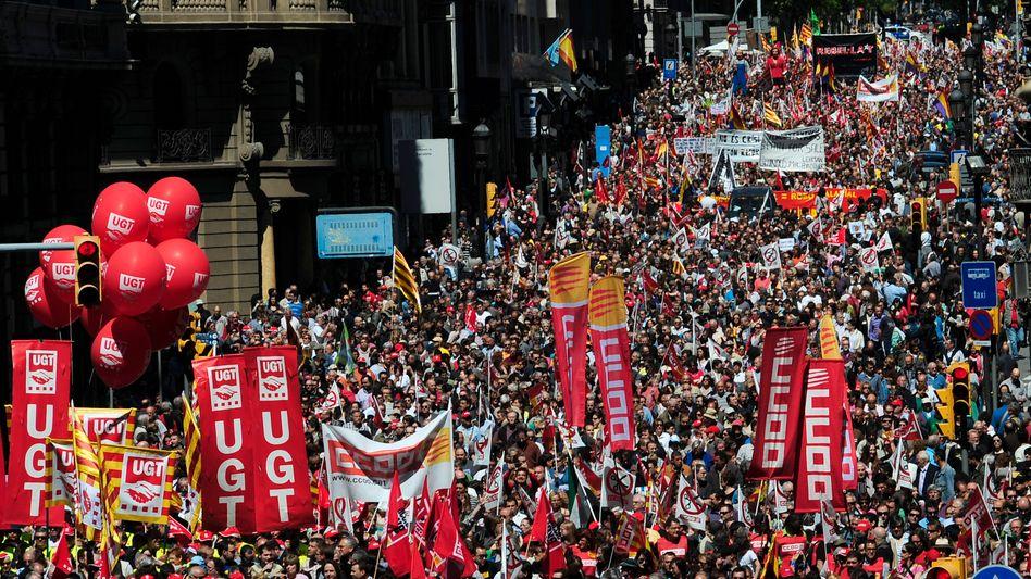 1.-Mai-Kundgebung in Barcelona: Das Sparprogramm der Regierung führt zu Massenprotesten