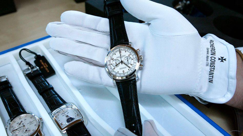Armbanduhr der Richemont-Marke Vacheron Constantin: Der Konzern steigerte den Reingewinn stark - der Aktienkurs sackte dennoch ab