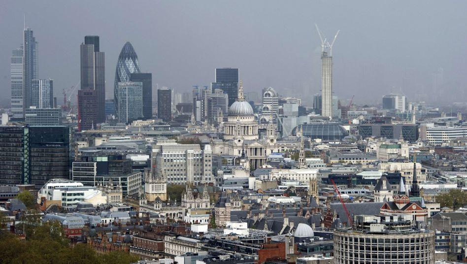 Skyline von London: Sollte der dortige Immobilienmarkt unter dem Brexit leiden, könnte das hiesigen Immobilienaktien sogar nützen