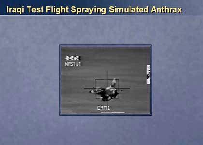 Ein irakisches Sprühflugzeug im Testflug: Hier, so Powell, soll der Einsatz des Giftgases Anthrax simuliert worden sein.