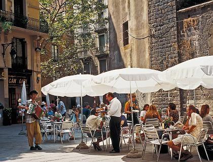 Lauschige Plätze: Gutes Essen gehört für die Einwohner Barcelonas zum Lebensgefühl