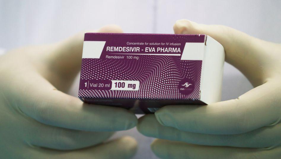 Remdesivir in einer pharmazeutischen Einrichtung in Ägypten (Archivaufnahme)