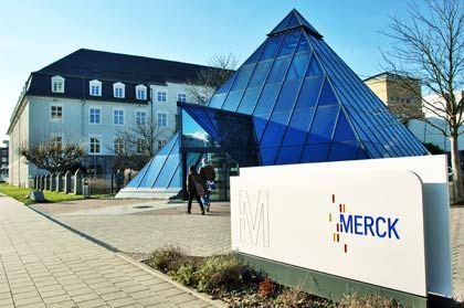 Merck-Zentrale in Darmstadt: Die Geschäfte mit Lacken und Flüssigkristallen bereiten Probleme