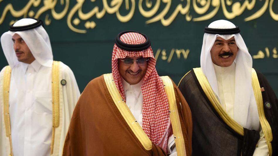 Saudi Arabiens Kronprinz Mohammed bin Nayef (M) auf einem Treffen des Golf-Kooperationsrats Ende April.