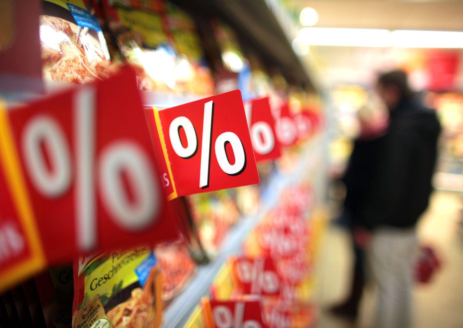Ladenöffnungszeiten / Supermarktregal / Supermarkt