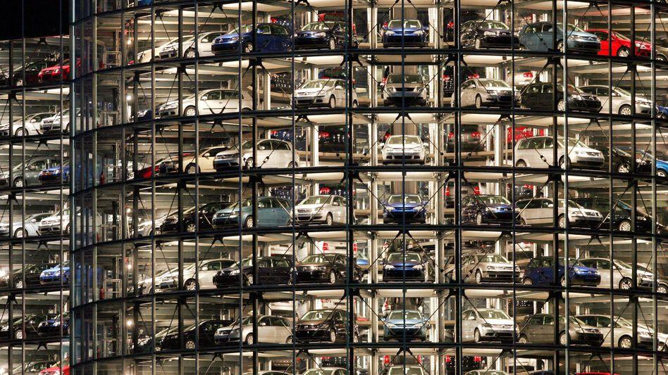 Autostadt in Wolfsburg: Ungeachtet der sich verschärfenden Absatzkrise in Europa hat Volkswagen beim Gewinn zugelegt.