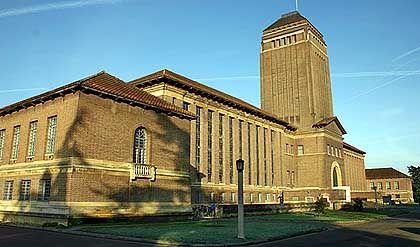 Eine der größten Bibliotheken der Welt: Die Universitätsbibliothek von Cambridge gilt als Sinnbild freimaurerischer Symmetrieregeln