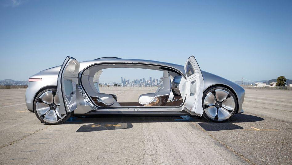 Vollautonom fahrendes Mercedes-Forschungsauto F 015: So könnten die Robotertaxis der Zukunft einst aussehen