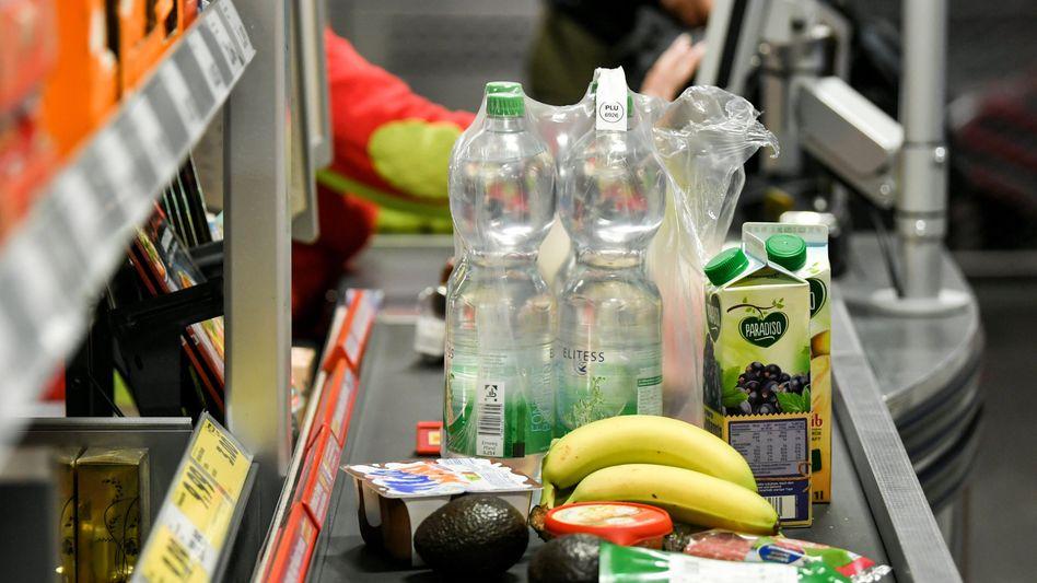 Die Haushaltsrechnung steigt kräftig: Allein für Lebensmittel mussten Verbraucher im Juli 4,3 Prozent mehr zahlen als ein Jahr zuvor