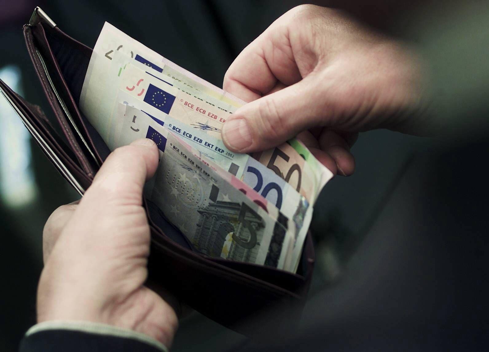 NICHT VERWENDEN bargeld in der geldbörse