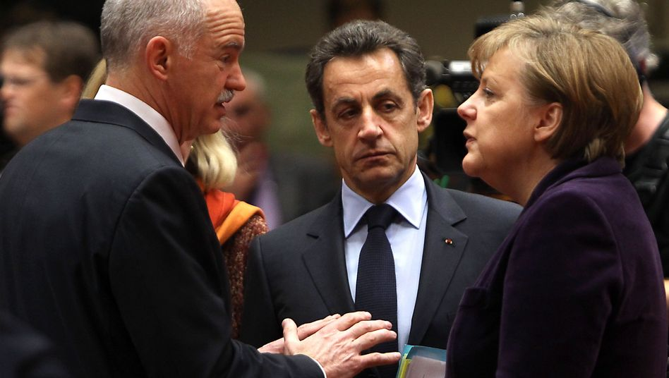 Gespräche festgefahren: Die Staatslenker Papandreou, Sarkozy und Merkel (v.l.) kommen in wichtigen Fragen nicht voran
