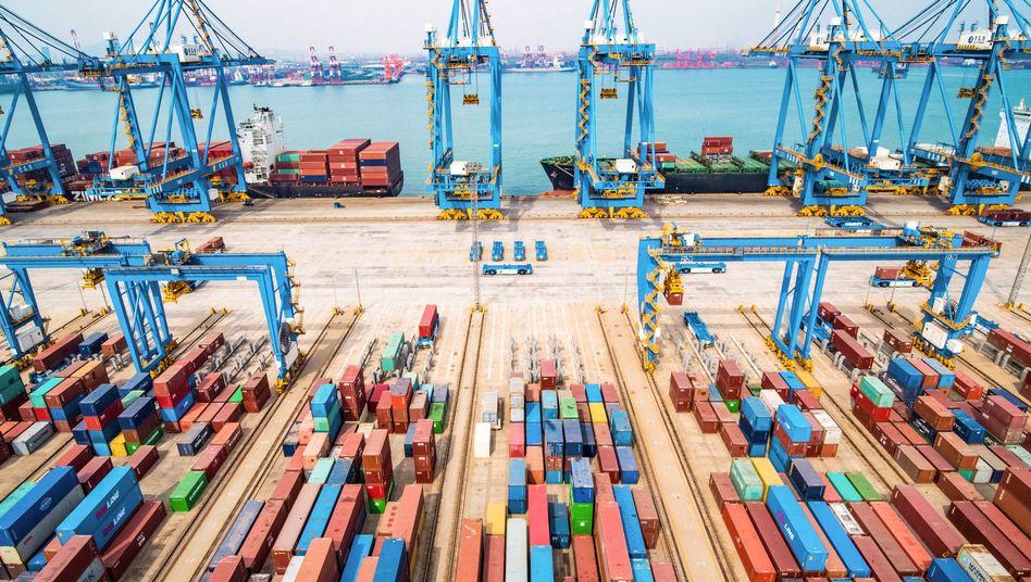 Hafen im chinesischen Qingdao: USA lassen den Konflikt weiter hochkochen