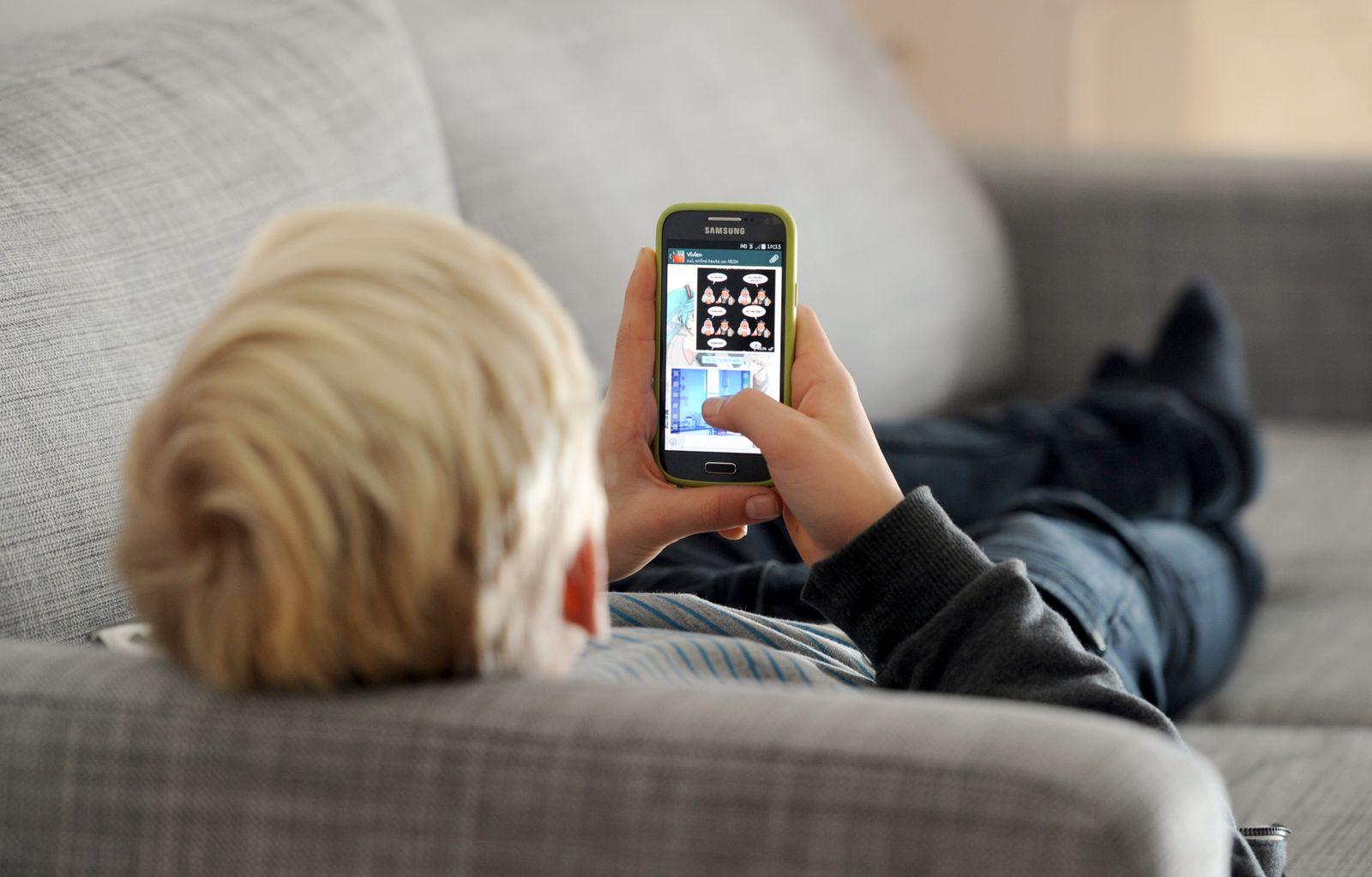 Jugendlicher / Smartphone