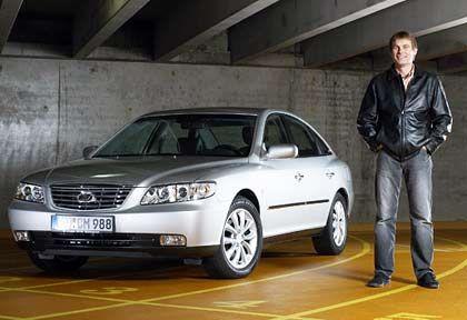 VIP-Shuttle: Adidas-Manager Weigl mit dem Hyundai Grandeur