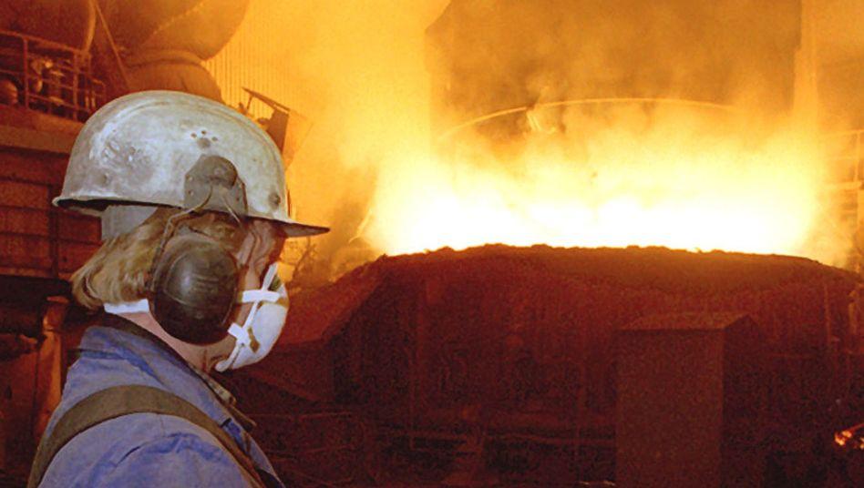 Vom Staat geschützt: Stahlwerker an Elektrolichtbogenofen der Georgsmarienhütte
