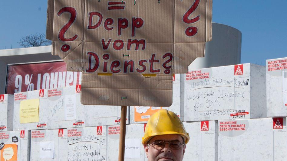 Der Widerstand gegen die schlechte Bezahlung der Leiharbeiter in den Betrieben wächst