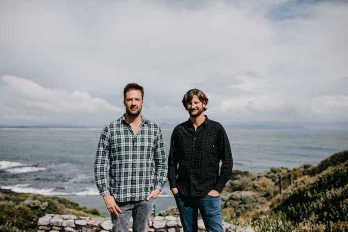 Brotherhood: Peter-Allen (l.) und Andrew Finlayson trotzen der Dürre Südafrikas Wein ab