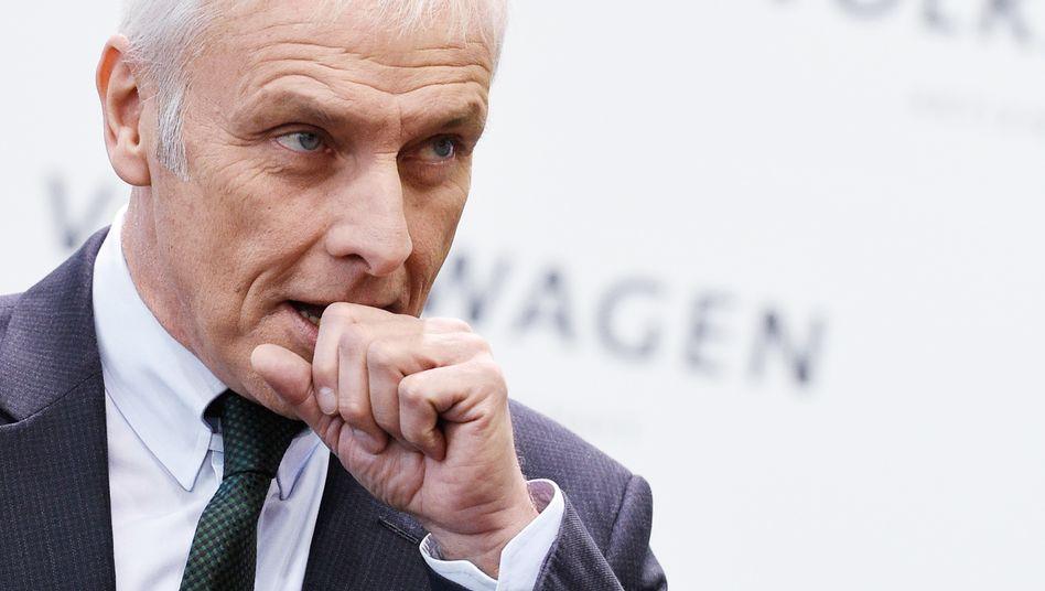 VW-Chef Matthias Müller dürfte darüber nicht amüsiert sein: Volkswagen hat die Durchsuchungen bei der Anwaltskanzlei Jones Day scharf kritisiert