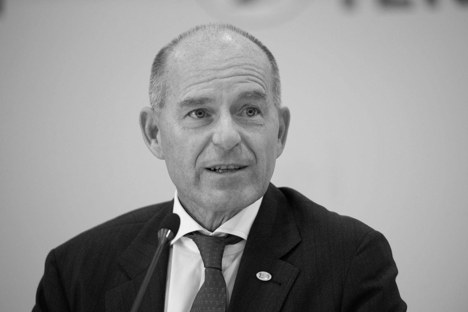 EINMALIGE VERWENDUNG Karl-Erivan Haub