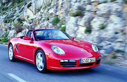 Der neue Porsche Boxster: Optisch hat sich beim Nachfolgemodell kaum etwas getan. Porsche verfolgt beim Boxster das Konzept der kleinen Schritte bei vielen Details