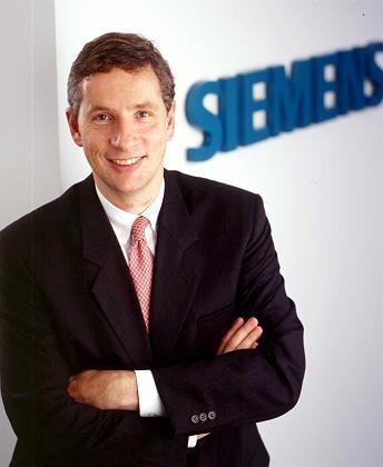 """""""Die Handysparte ist ein wichtiges Thema, um das ich mich auch persönlich kümmere"""" Siemens-Chef Klaus Kleinfeld"""