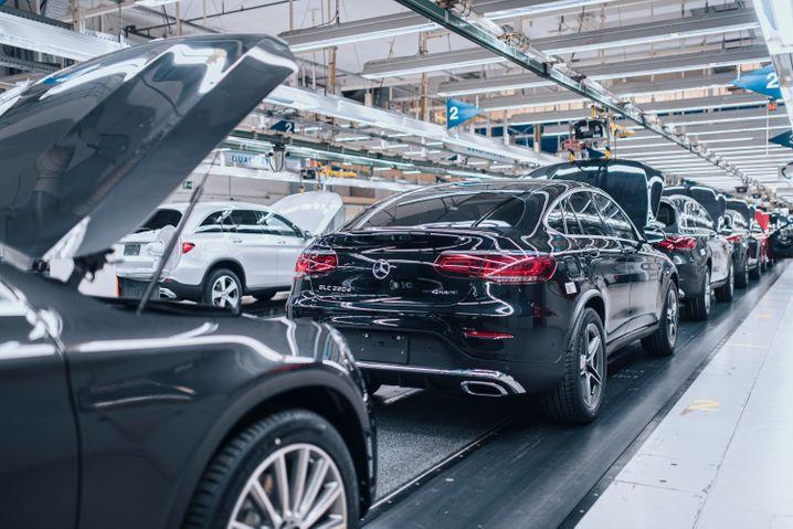 Daimler beantragt wegen der massiven Auswirkungen der Coronavirus-Pandemie Kurzarbeit