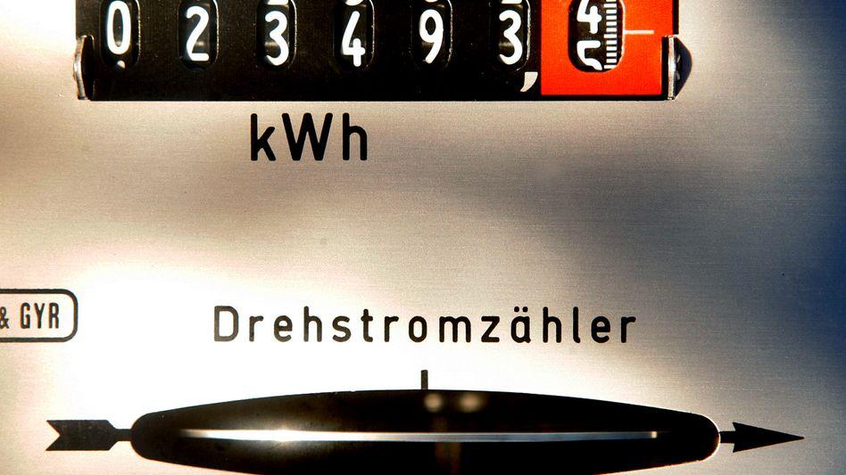 Teure Drehbewegung: Der Strompreis ist in den vergangenen Jahren in Deutschland deutlich gestiegen.
