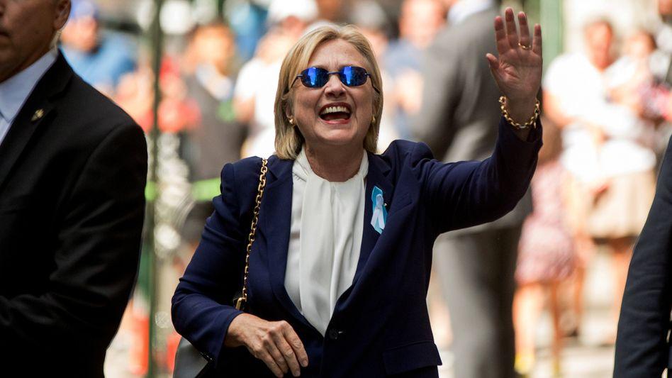 Hillary Clinton: Der Schwächeanfall der 68-jährigen während der 9/11 Gedenkfeiern nutzt ihrem Kontrahenten Donald Trump, der in den Umfragen aufholt