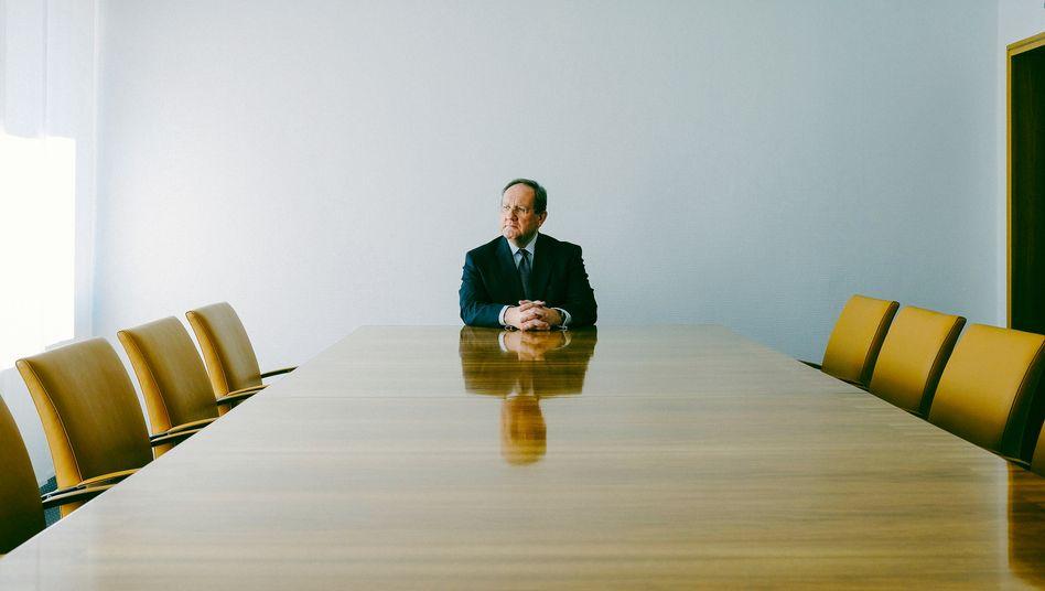 """""""Ein schmaler Grat"""": Felix Hufeld, der BaFin-Präsident, in der Bonner Zentrale der Finanzaufsicht."""