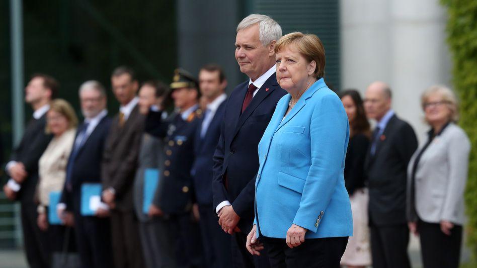 """Angela Merkel mit dem finnischen Premier Antti Rinne. """"Psychologische Verarbeitung noch nicht abgeschlossen"""""""
