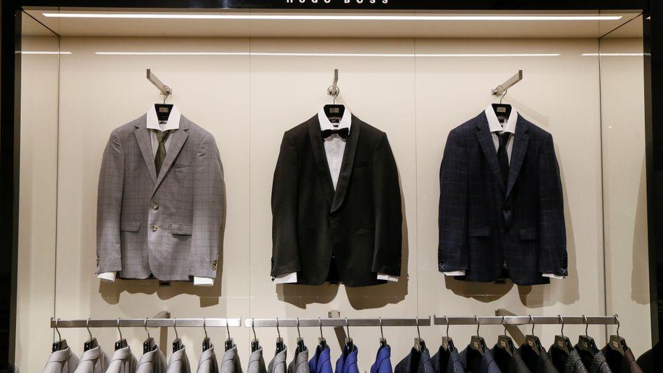 Anzüge blieben in Deutschland in den Läden hängen: Der Umsatz von Hugo Boss in Deutschland ging um 5 Prozent zurück