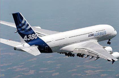 Größere Räume, kleinerer Verbrauch: Der A380 bietet Vorteile, kommt aber mit großer Verspätung auf den Markt