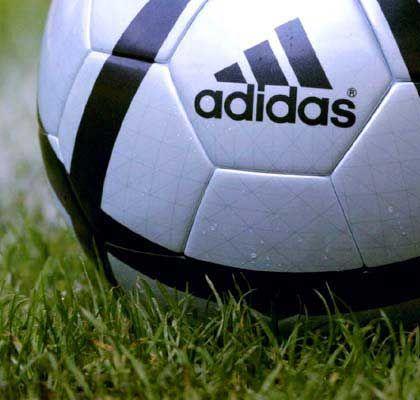 Adidas-Salomon: Mehr Dividende für 2004
