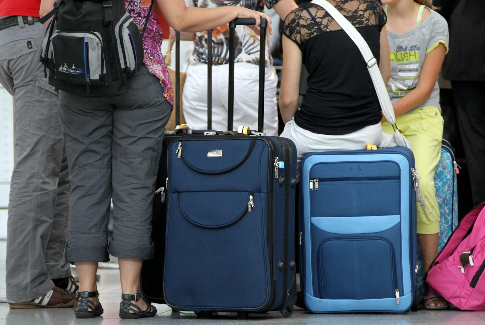 Flughafen / Abreise / Ausreise / Koffer