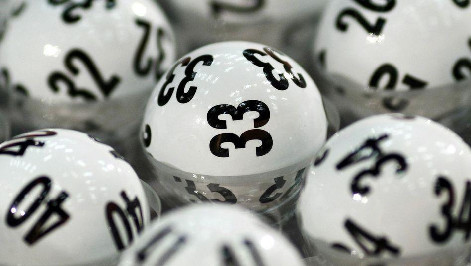 Die offiziellen Lotto-Kugeln: Zwei fehlten bei der Ziehung am vergangenen Mittwoch