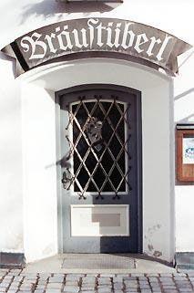 """Kleiner Eingang, Kult dahinter: Das """"Bräustüberl"""" des Klosters"""