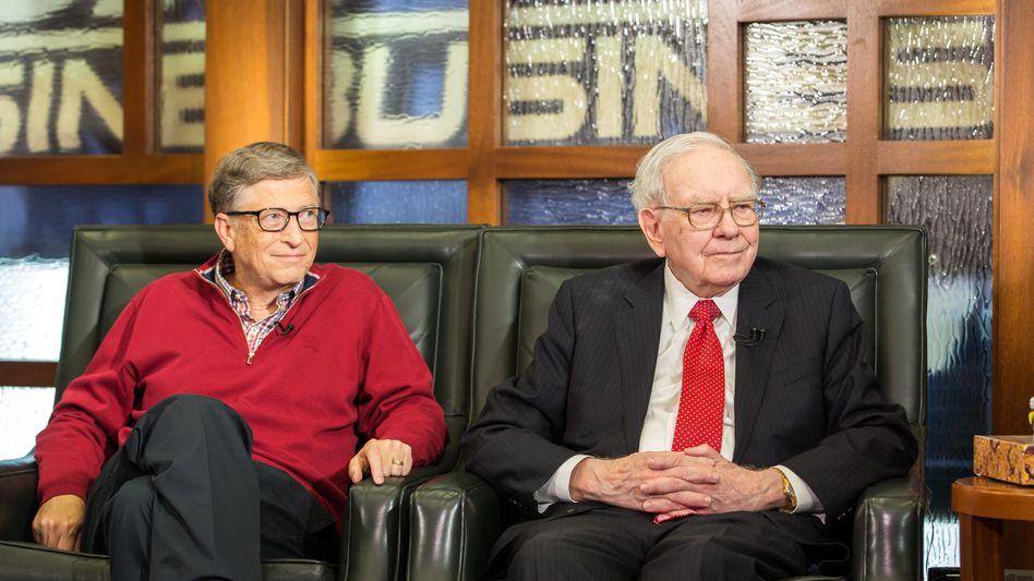 Milliardäre und Freunde: Die Herren Gates (l.) und Buffett sind beim Bitcoin einer Meinung.