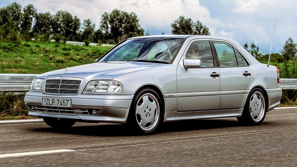 MEHR HUBRAUM Der Mercedes C 36 war das erste AMG-Serienmodell