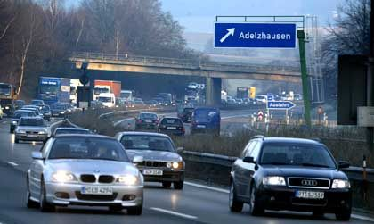 Pendelverkehr: Auch das höchste Finanzgericht in Deutschland hat Zweifel, ob die jüngste Kürzung der Pendlerpauschale verfassungsgemäß ist