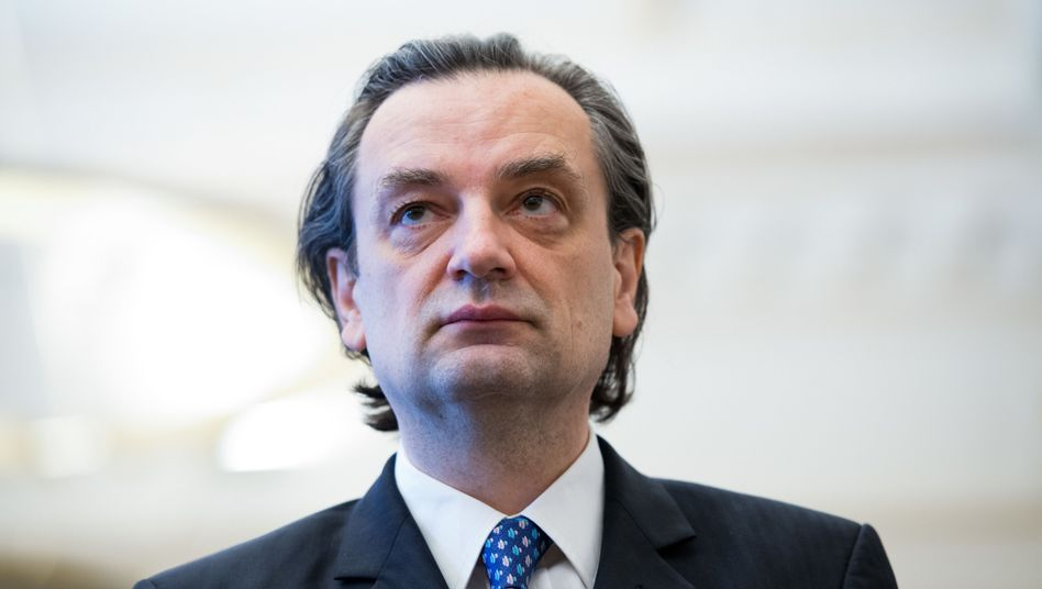 Dirk Jens Nonnenmacher, der frühere Vorstandschef und Ex-Finanzchef der HSH Nordbank, zahlt Millionen-Geldbuße