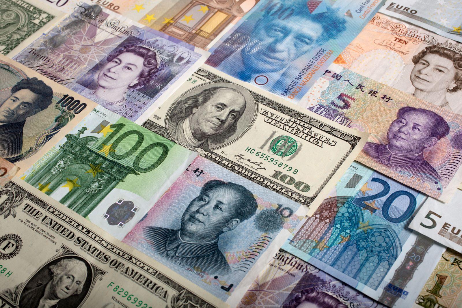 Währungen; Gelscheine; Yuan, Euro, Dollar, Pound