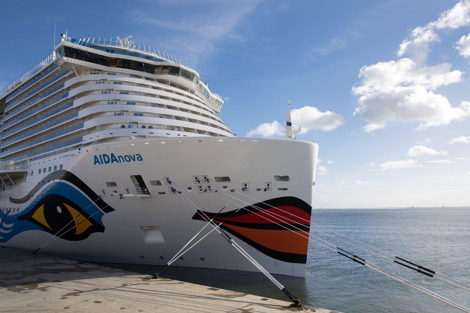 EINMALIGE VERWENDUNG «AidaNova» istdas erste Flüssiggas-Schiff