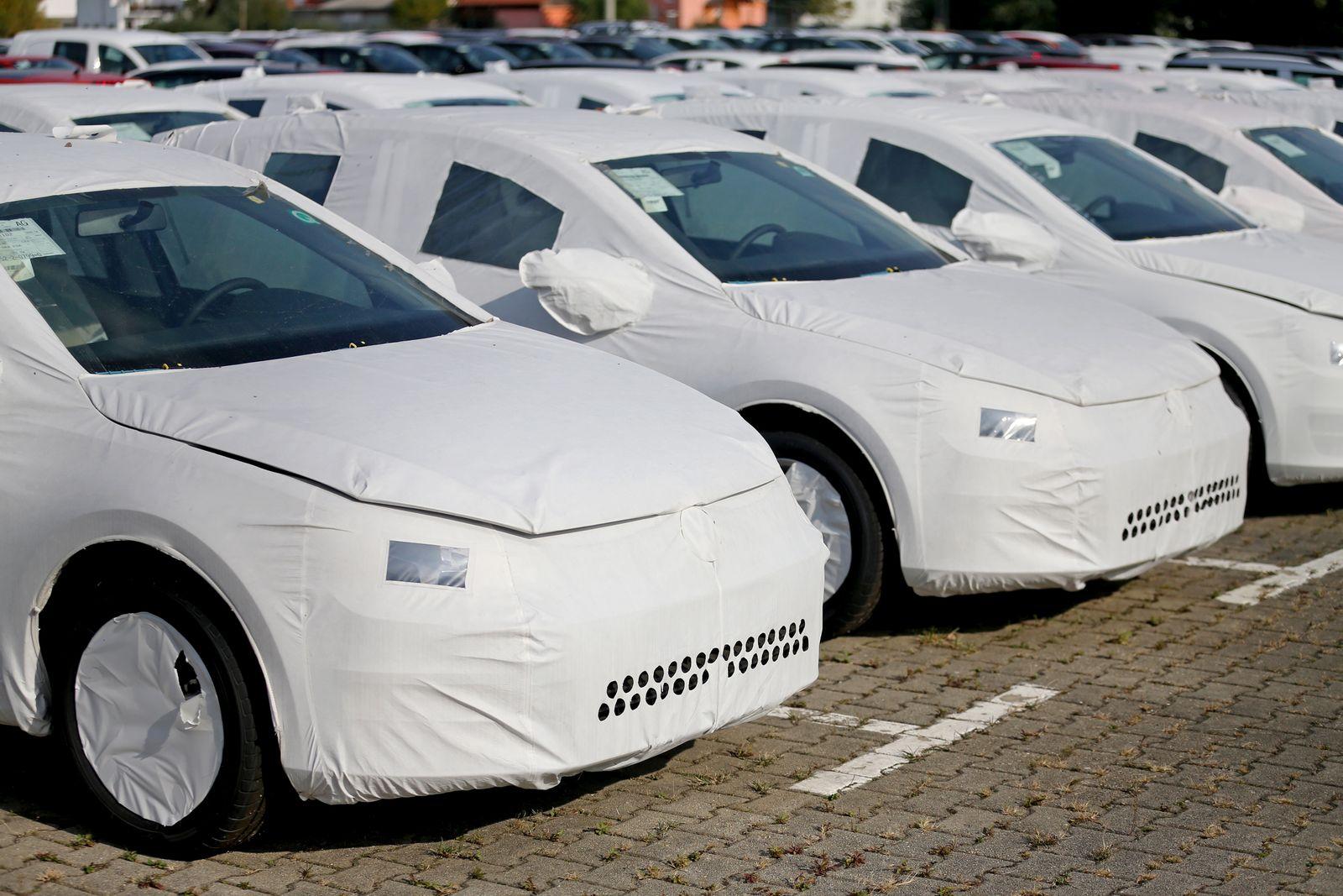 VW-Neuwagen beim Autologistiker
