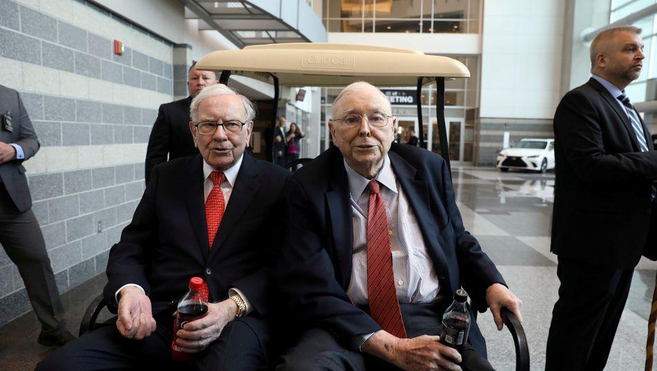 Warren Buffett (links), Charlie Munger: Ajit Jain und Greg Abel gelten als mögliche Nachfolger für die beiden Berkshire-Legenden